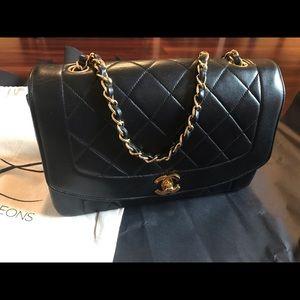 Vintage Chanel 'Diana' Medium Flap